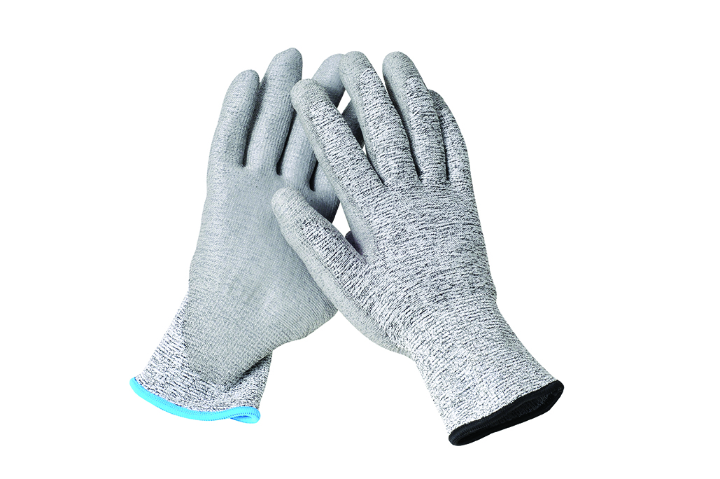 Metal detectable cut gloves